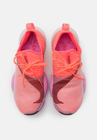 Nike Performance - AIR ZOOM SUPERREP - Sports shoes - flash crimson/black/beyond pink - 3