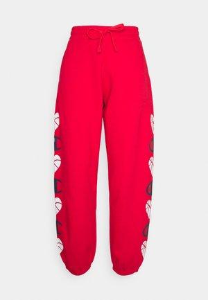 LOVE ELASTIC CUFF PANTS - Teplákové kalhoty - red