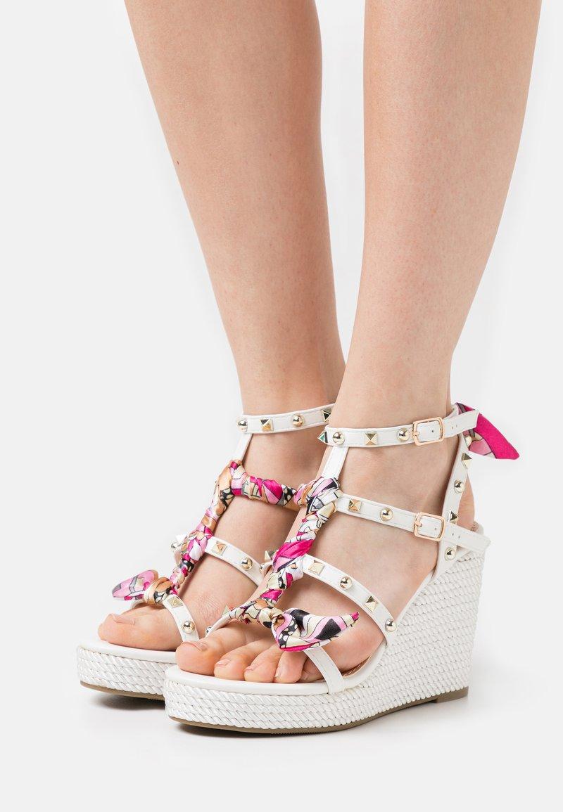 Tata Italia - SERENA  - Korkeakorkoiset sandaalit - white