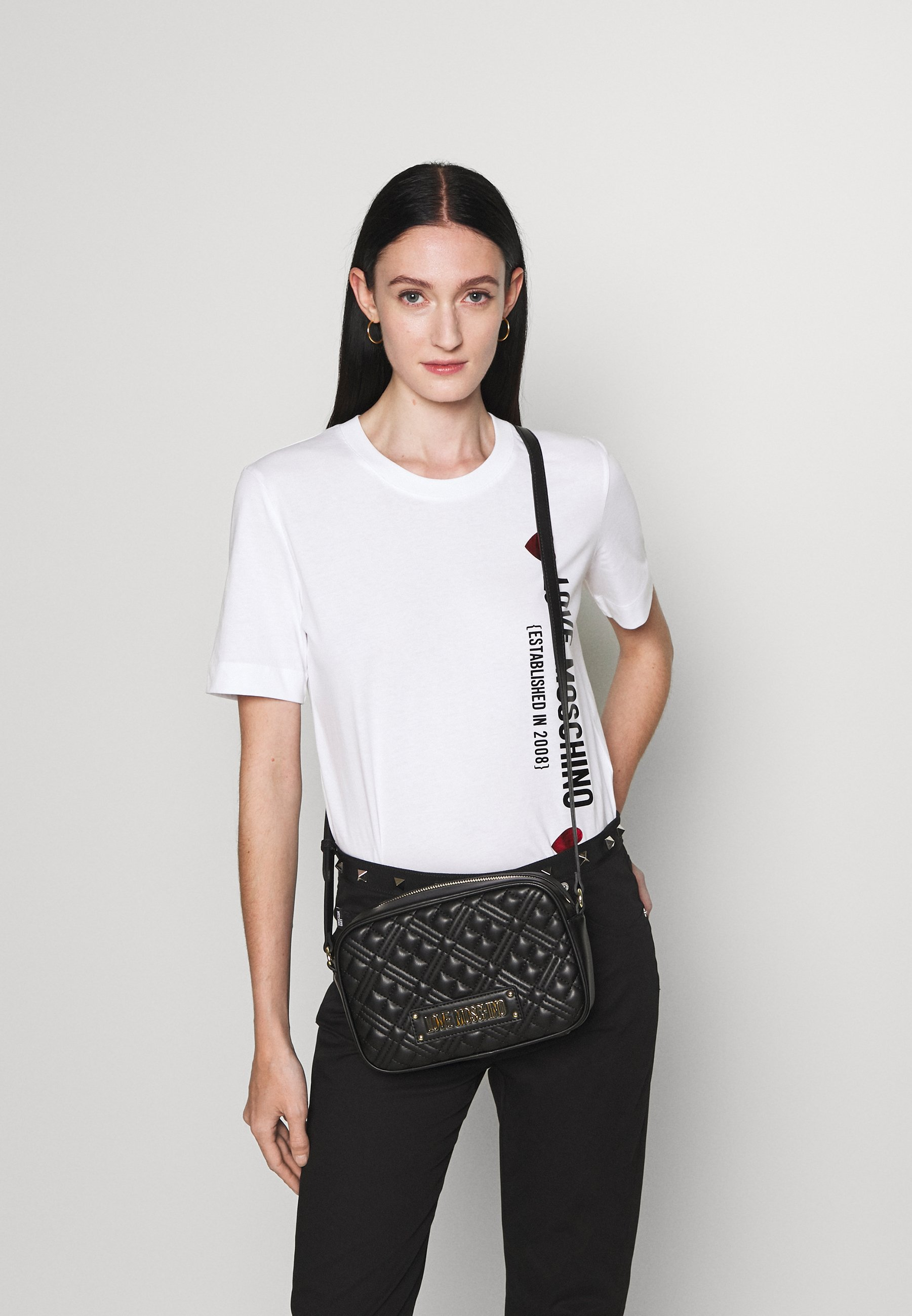 Women QUILTED CHAIN CAMERA BAG - Across body bag