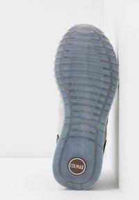 Colmar Originals - TRAVIS JANE - Sneakers - white/gray - 6