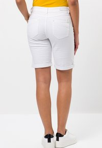 zero - Denim shorts - white - 2