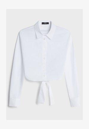 MIT SCHLEIFE - Button-down blouse - white