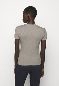 Theory - TINY TEE NEBULOUS - Basic T-shirt - moss - 0