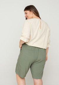 Zizzi - Shorts - green - 2
