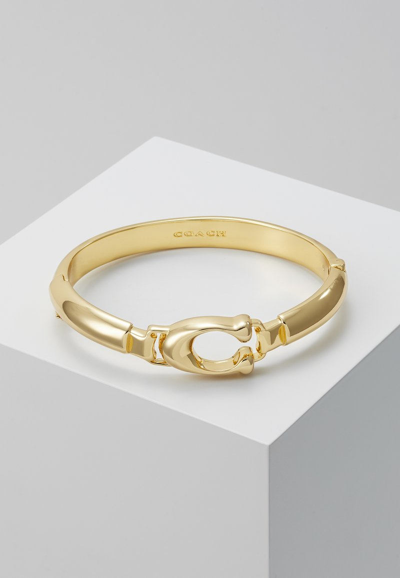 Coach - SCULPTED PLAQUE BANGLE - Náramek - gold-coloured