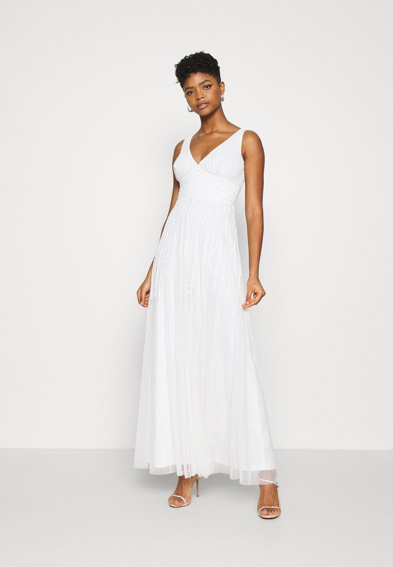 Lace & Beads - LORELEI - Společenské šaty - white