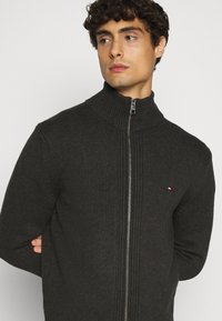 Tommy Hilfiger - CHUNKY ZIP THROUGH - Cardigan - grey - 3