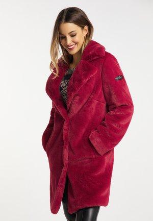 Winter coat - chili red
