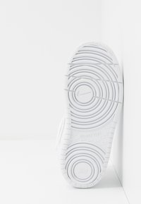 Nike Sportswear - COURT BOROUGH MID UNISEX - High-top trainers - white - 5