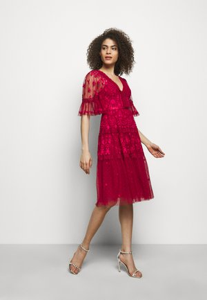 LOTTIE MIDI DRESS - Vestido de cóctel - deep red