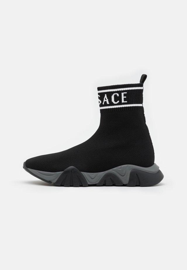 Sneakers alte - nero/bianco