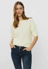 Vero Moda - Basic T-shirt - birch - 0