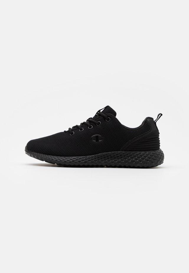 LOW CUT SHOE SPRINT WINTERIZED - Chaussures de running neutres - triple new black