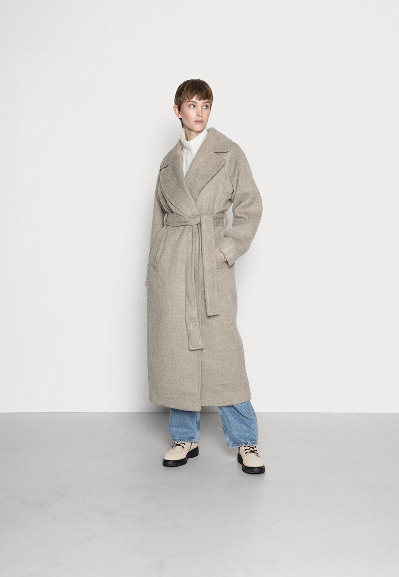 Weekday - KIA COAT - Classic coat - mole hairy