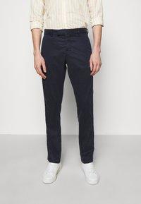Frescobol Carioca - TAILORED TROUSERS - Trousers - dark blue - 0