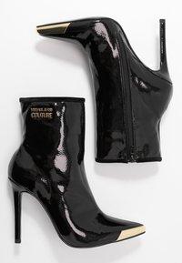 Versace Jeans Couture - HIGHT TOP STILETTO  - Botki na obcasie - nero - 3