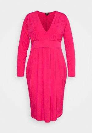 ITY BODYCON DRESS - Žerzejové šaty - hot pink