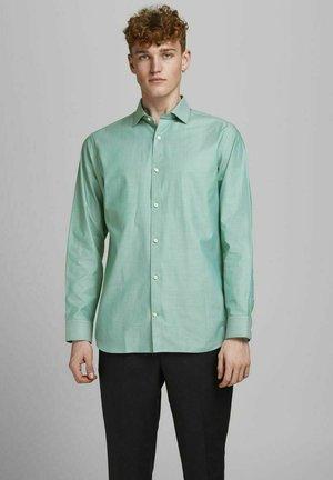 JPRBLAROYAL - Formal shirt - sea pine