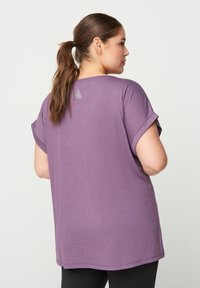 Zizzi - T-shirt print - purple - 2