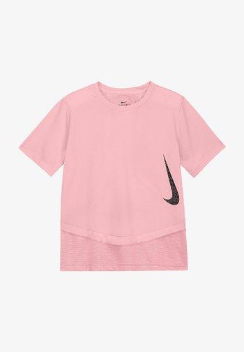 Camiseta estampada - arctic punch/bucktan