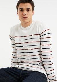 WE Fashion - Sweatshirt - white - 4