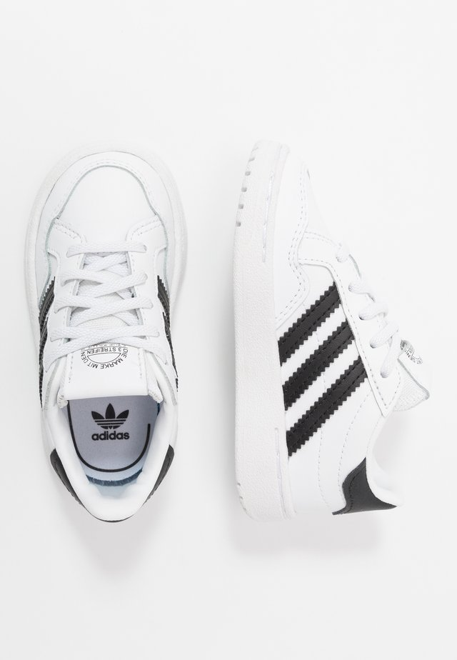 TEAM COURT - Slip-ins - footwear white/core black