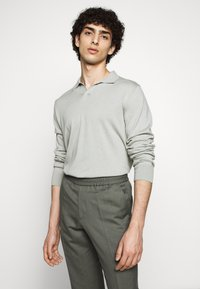 Filippa K - TERRY CROPPED SLACKS - Trousers - green grey - 3