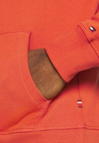 Tommy Hilfiger - SMALL LOGO HOODY - Sweat à capuche - orange - 5