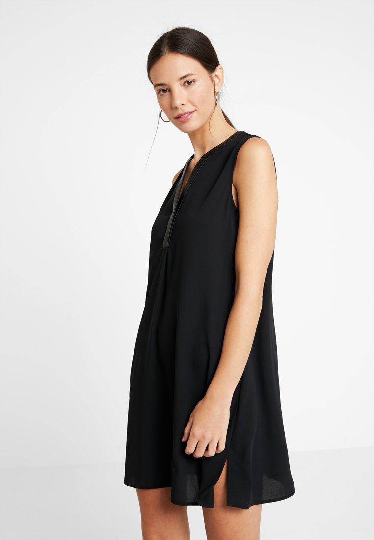 KIOMI - Robe d'été - black