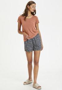 Soaked in Luxury - COLUMBINE TEE - Basic T-shirt - carnelian - 1