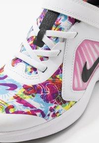 Nike Performance - DOWNSHIFTER 10 FABLE - Zapatillas de running neutras - white/black/fire pink/blue fury - 2