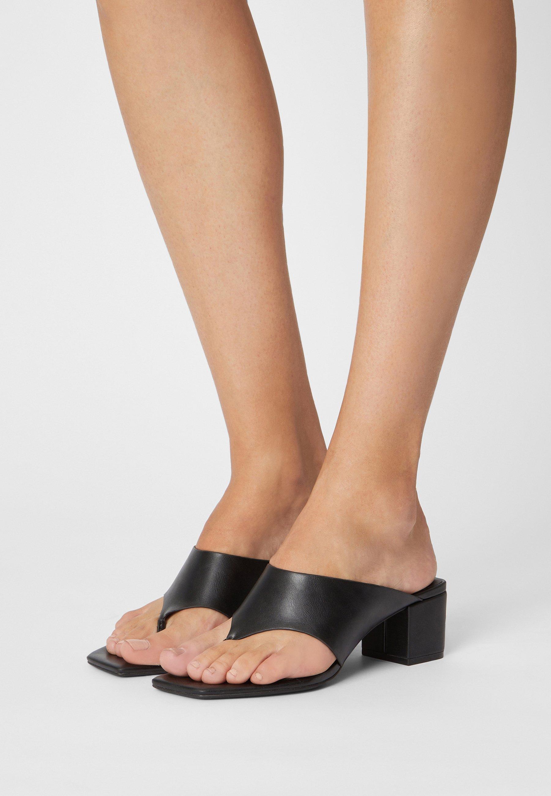 Women T-bar sandals - black dark
