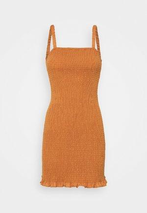 MAYA SMOCKED MINI DRESS WITH RUCHED STRAPS STRAIGHT NEKLINE - Robe fourreau - rust