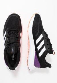 adidas Performance - ENERGYFALCON - Obuwie do biegania treningowe - core black/footwear white/signal coral - 1