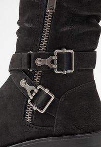 Bullboxer - Kovbojské/motorkářské boty - black - 2