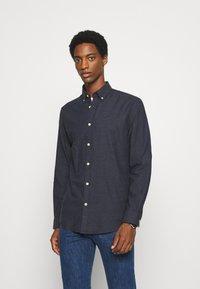 Selected Homme - SLHSLIMHOUSTON CAMP - Shirt - dark sapphire - 0