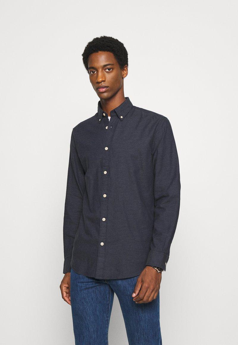 Selected Homme - SLHSLIMHOUSTON CAMP - Shirt - dark sapphire