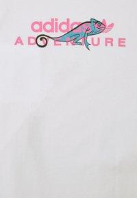 adidas Originals - LOGO TEE UNISEX - T-shirt imprimé - white - 6