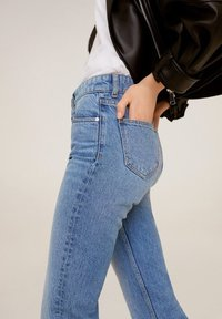 Mango - BONNY-I - Straight leg jeans - medium blue - 6