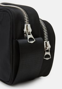Weekday - SUND CROSSBODY BAG - Across body bag - black - 3