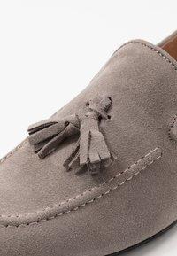 River Island - Elegantní nazouvací boty - grey - 5
