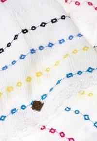 Superdry - GESMOKTER  - A-line skirt - white geo - 3