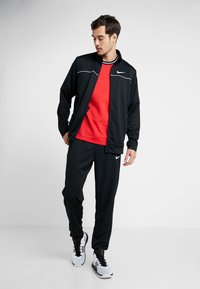 Nike Performance - M NK RIVALRY TRACKSUIT - Dres - black/white - 1