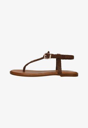 MIT GEFLOCHTENEM RIEMCHEN - T-bar sandals - brown