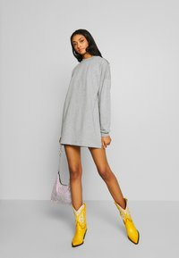 Nly by Nelly - THROUGH THE HOOD - Korte jurk - grey mélange - 1