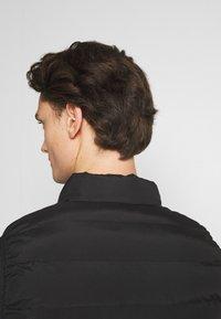 Gym King - CORE GILET - Vest - black - 5