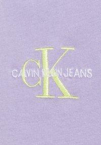 Calvin Klein Jeans - MONOGRAM LOGO TEE - T-shirt basique - palma lilac - 5