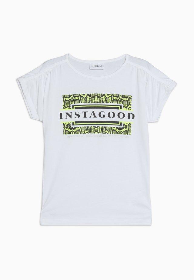 VIKKA  - Print T-shirt - white