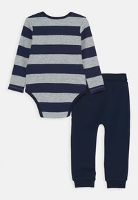 Guess - PANTS SET - Kalhoty - blue/grey - 1